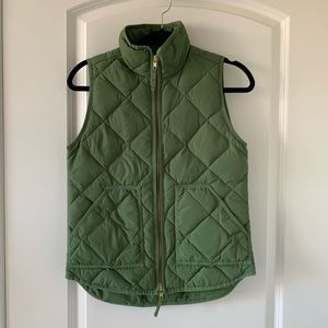 ❤️ J Crew Down Quilted Vest